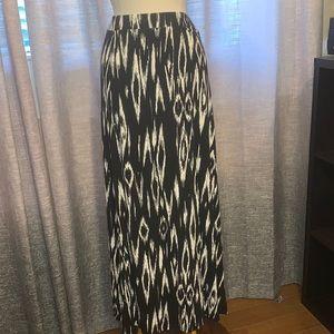 Dalia XL maxi skirt